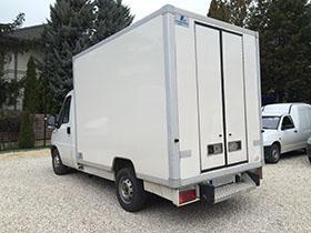 Hűtőautó Kölcsönzés hátulról Citroen Jumper