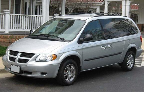 Kisbusz kölcsönzés Dodge Grand Caravan