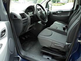 Kisbusz kölcsönzés Peugeot Expert HDI Tepee Long Első Ülés