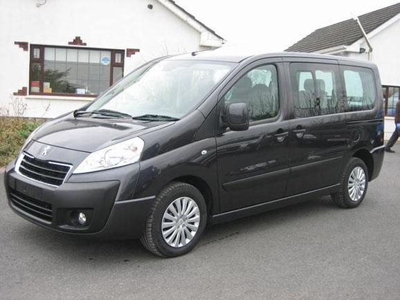 Kisbusz kölcsönzés Peugeot Expert HDI Tepee Long